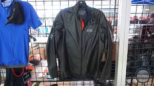 mtb rain gear gore rescue b mtb rain jacket as light as they come mtbr com