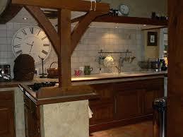 peindre cuisine rustique cuisine rustique chene relooker une cuisine rustique en chene