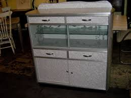 Vintage Kitchen Cabinet Not Until 1950s Steel Kitchen Cabinets Vintage Home Pinterest