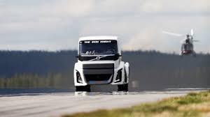 volvo truck 2016 newmotoring volvo has built the fastest truck in the world