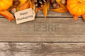 happy thanksgiving gift tag with border of colorful leaves