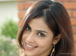 cute actress genelia latest pics southstarz 580 846 actress