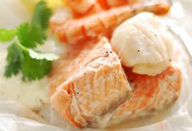comment cuisiner la saumonette saumonette aux pommes de terre nouvelles cuisine notre temps