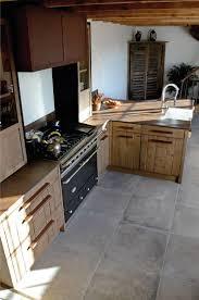hotte industrielle cuisine cuisine atelier chêne clair bardage acier oxydé iron corten