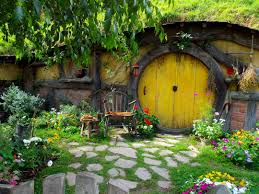 hobbit hole under hill holds a surprise mansion new york post home decor large size peter jackson poms away first hobbit hole how to decorate