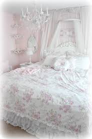 Simply Shabby Chic Blanket by 25 Best Shabby Chic Quilts Ideas On Pinterest White Quilts Rag