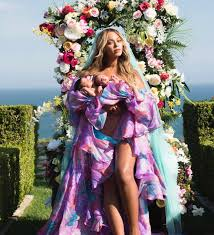 lyrica anderson and beyonce beautiful beyoncé u0026 jay z twins first photo thenikkirichshow