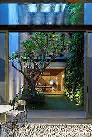 l shaped towhnome courtyards best 25 indoor courtyard ideas on pinterest atrium garden