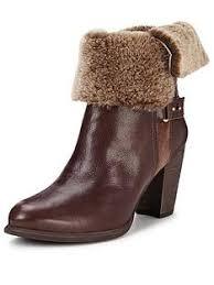 australian ugg boots shoe shops 1 20 capital court braeside ugg boots shoes boots littlewoods com