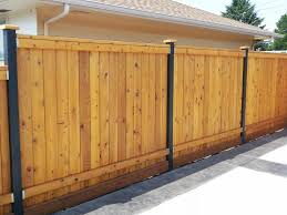 design trends for 2014 and tips for fence building or replacing