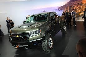chevy concept truck chevrolet colorado zr2 concept debuts 2 8l diesel power announced