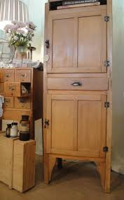 Kitchen Maid Hoosier Cabinet by 303 Best Cabinets And Dressers Images On Pinterest Buffets