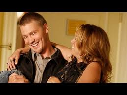 one tree hill lucas and peyton leaving for