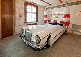 chambre voiture 10 décorations de chambres pour les fans de voiture car