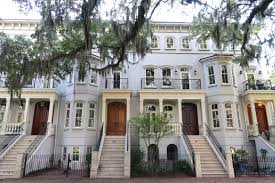 row houses 3 day guide to historic savannah peachfully chic