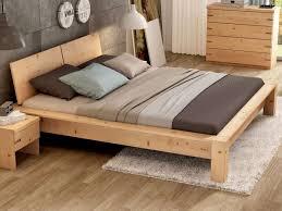Schlafzimmer Naturholz Zirbenbett Das Gesunde Zirbenholzbett Von Lamodula