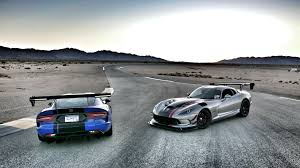 Dodge Viper Top Speed - 2016 dodge viper acr review snakes on a track slashgear