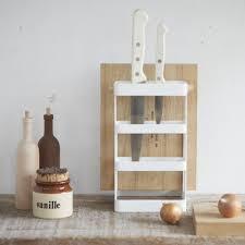 rangement cuisine pratique etagere cuisine pratique organisation de la cuisine deco et saveurs