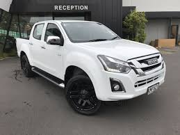 2017 isuzu d max ls manual dc 2wd rt87 is001022 winger group nz