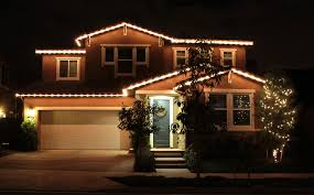 Hanging Christmas Lights by Christmas Light Hanging Services In San Diego Ca Golden Shine