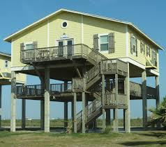 small beach house on stilts house stilt homes floor plans planshomes home ideas picture new