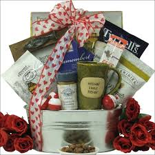 Mens Valentines Gifts Top 25 Best Fishing Gift Baskets Ideas On Pinterest Man Basket