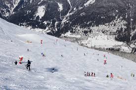 Bad Gastein Skigebiet Skifahrer Gehen In Die Luft In Bad Gastein Reiseführer Von Bad