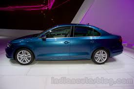 volkswagen bora 2015 2015 vw jetta facelift at the 2014 moscow motor front quarter
