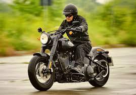 Comfortable Motorcycles Harley Davidson Softail Slim S 2017 Test English Subtitles