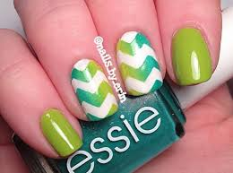 dashing green color nail paint accent chevron nail art picsmine