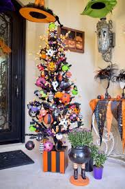 Halloween Decorations For Outdoor Trees by Best 25 Halloween Tree Decorations Ideas On Pinterest Halloween