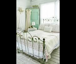 deco chambre shabby shabby une chambre à coucher cagnarde