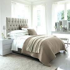 chambre à coucher couleur taupe chambre couleur taupe lit couleur taupe cheap chambre a coucher de