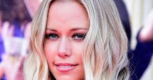 kendra wilkinson on vegas gig feud with holly madison u0027i have no