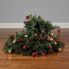 the instant fully decorated christmas tree hammacher schlemmer