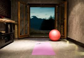 relaxing meditation room decor