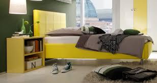 Schlafzimmer Farbe Gelb Trendiges Schlafzimmer In Weiß Und Gelb Hochglanz Lackiert Modell