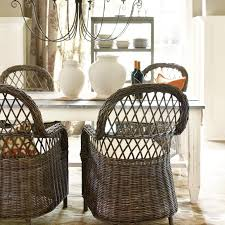 How To Decorate Your Dining Room Table How To Select The Dining Room Table How To Decorate