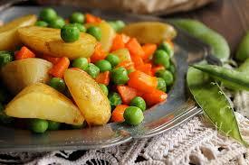 cuisiner les petits pois petits pois carotte et pommes de terre aime mange