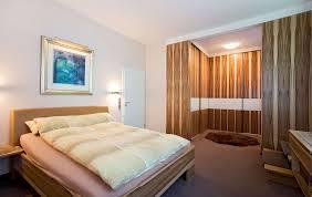 Schlafzimmer Ohne Schrank Gestalten Schlafzimmermöbel Schreinerei Roth Und Schwarz