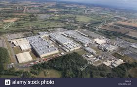 t0yta car toyota car factory at burnaston derbyshire uk stock photo royalty