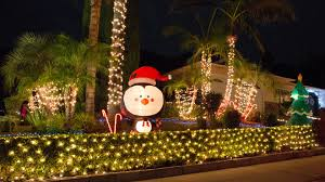 christmas lights los angeles 13 best places to see christmas lights in los angeles