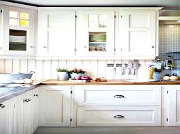 Where To Place Kitchen Cabinet Knobs Kitchen Cabinet Hardware Placement Ideas Knobs And Pulls Sets