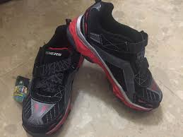 boys size 3 light up shoes nwt skechers light up shoes boys size3 shoes for sale on okinawa