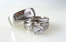 wedding sets his and hers wedding bands his and hers wedding bands set