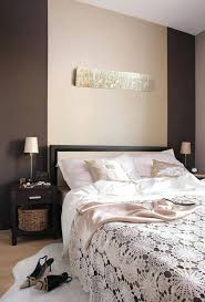 de quelle couleur peindre sa chambre quelle couleur pour une chambre a coucher peinture murale choisir