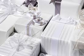 wedding gofts wedding presents the ultimate wedding gift giving guide