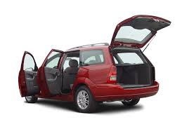 model ford focus 2004 ford focus reviews and rating motor trend