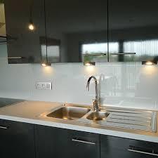 protege mur cuisine crédence cuisine verre laqué trempé brabant wallon all vitres