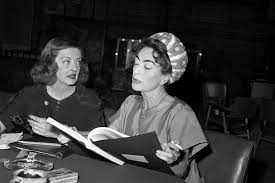 susan sarandon and jessica lange to play bette davis and joan